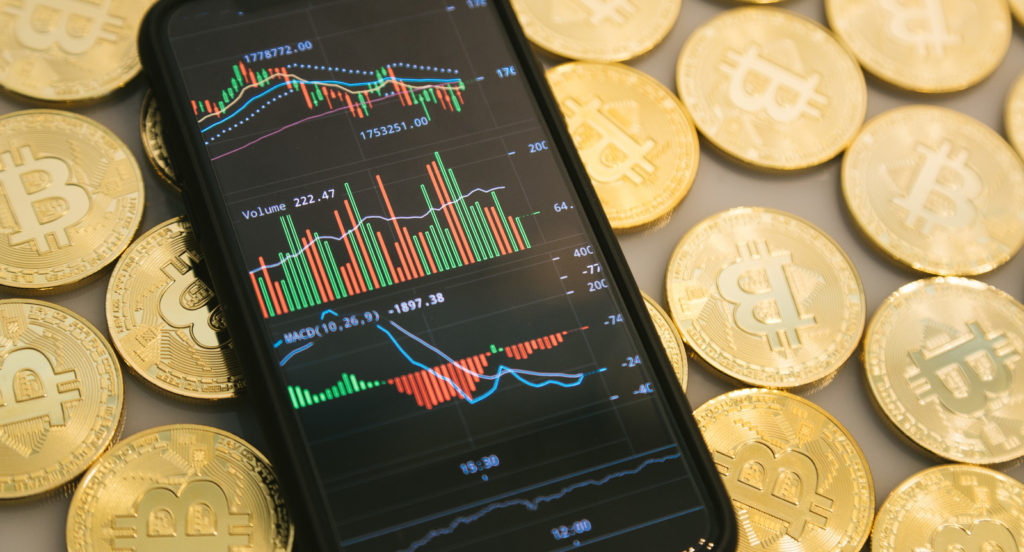 ビットコインなどの下落の原因と今後の予想